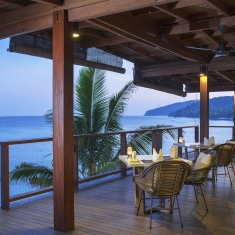 Jeeva Santai Villas - Oceanfront Restaurant - Beachfront luxury boutique resort Lombok, Indonesia