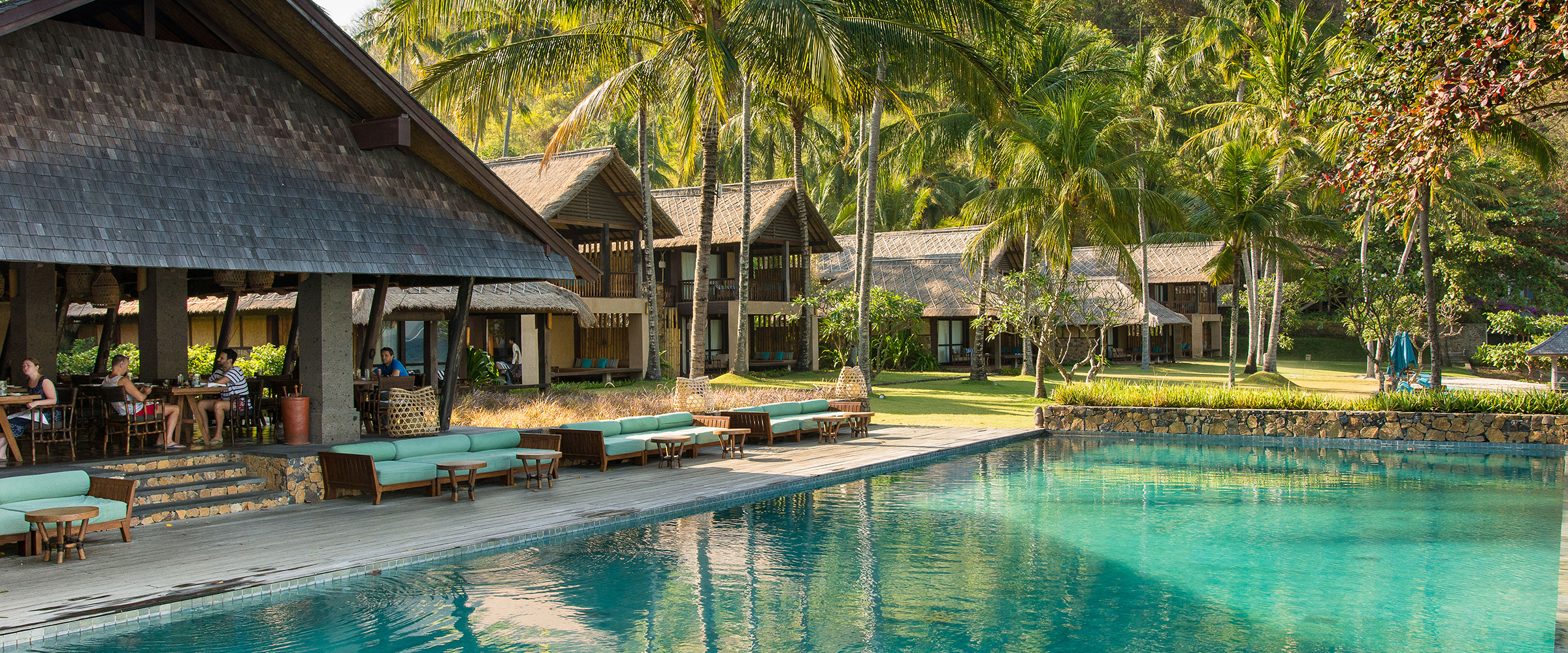 Jeeva resorts specials packages luxury romantic hotel for Luxury hotel packages