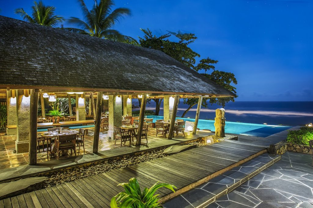 jeeva_klui_resort_dining_waroeng_restaurant_01_luxury_beachfront_boutique_resort_villa_hotel_accommodation_lombok
