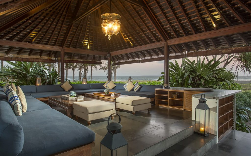 jeeva_saba_bali_living_are_07_luxury_villa_bali_beach_front_destination_wedding_venue
